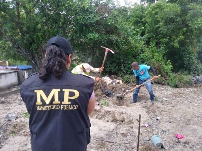 Realizan diligencias de exhumaciones por caso Siekavizza